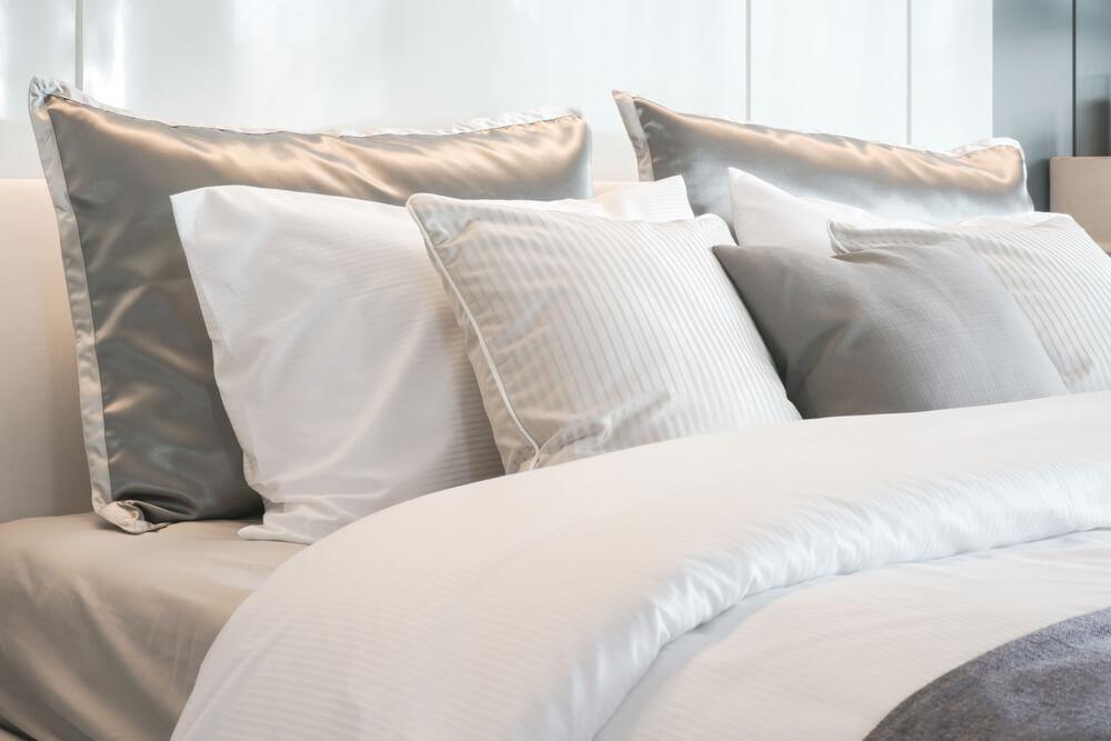 Kołdra na 4 pory roku – niezastąpiona w każdej sypialni!